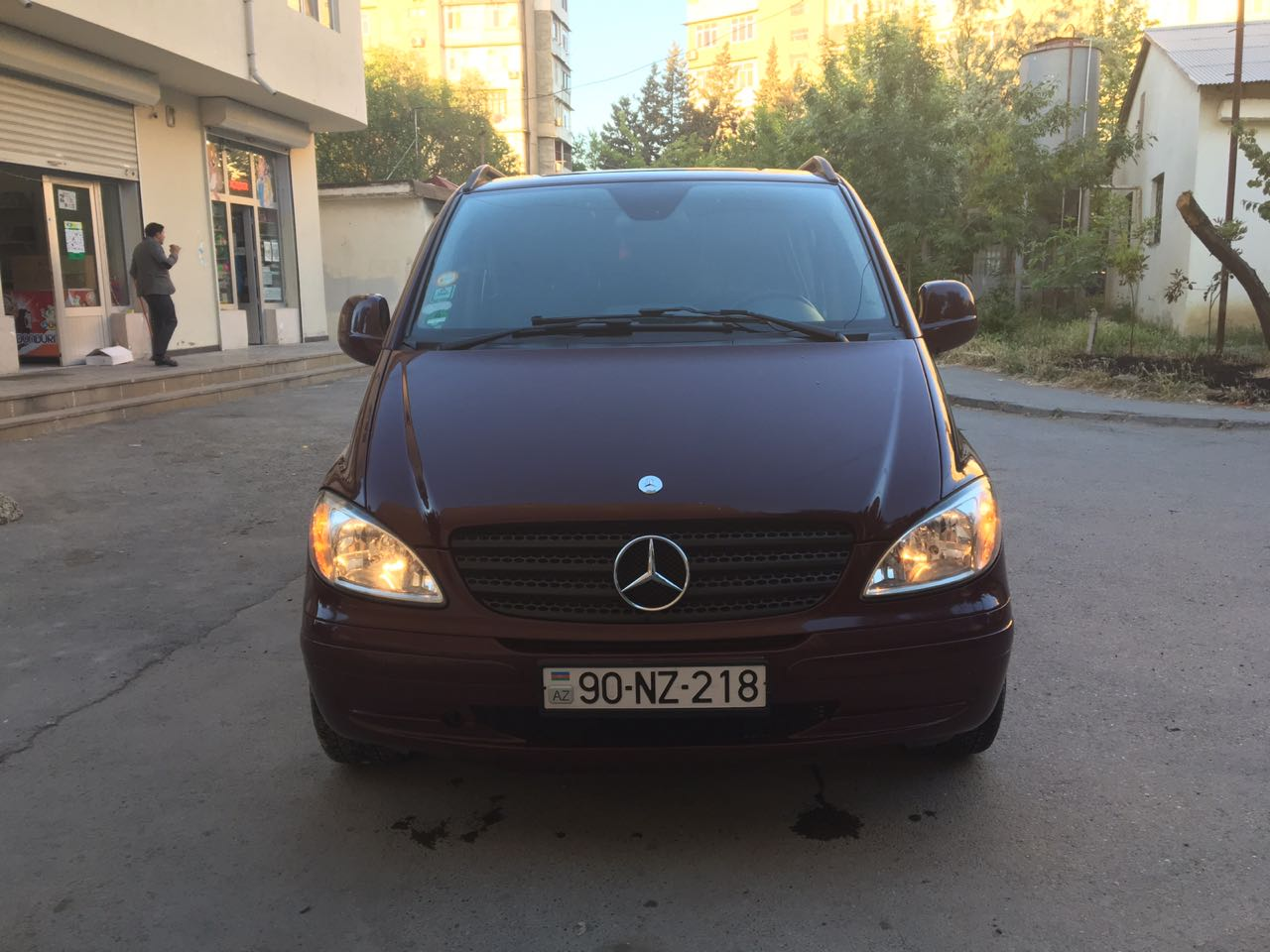 سيارة مع سائق في اذربيجان
