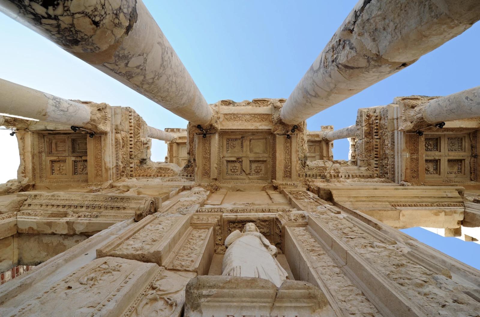 مدينة افسس التاريخية في تركيا