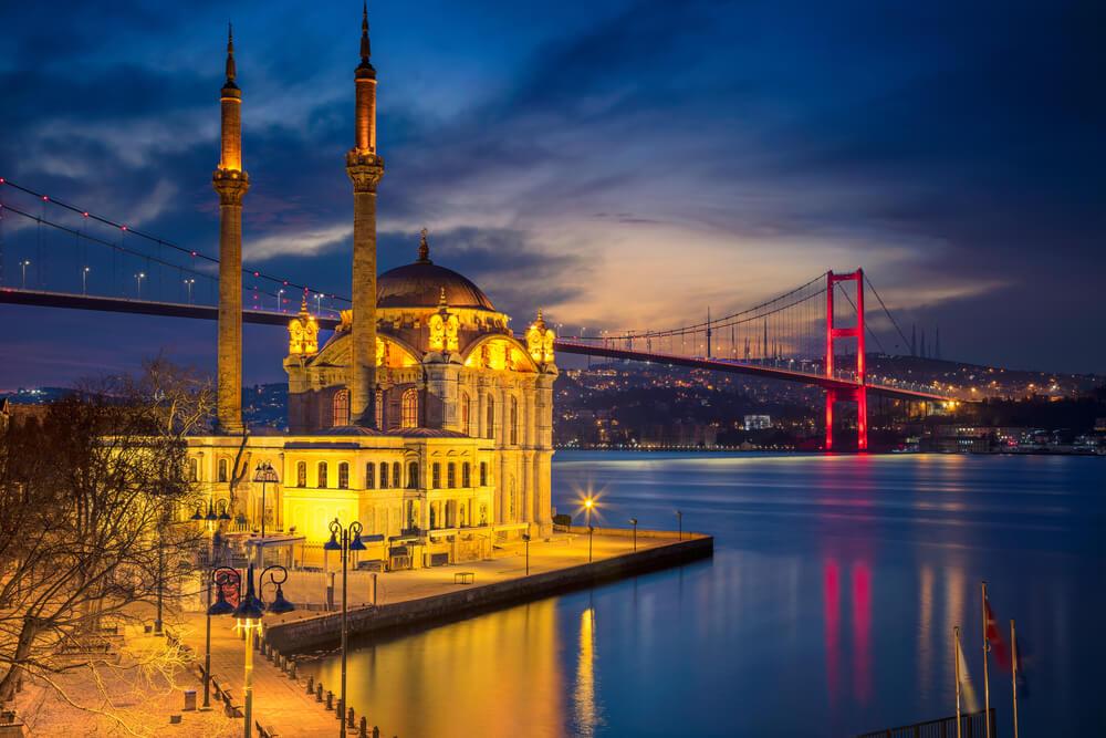 مسجد اورتاكوي اسطنبول